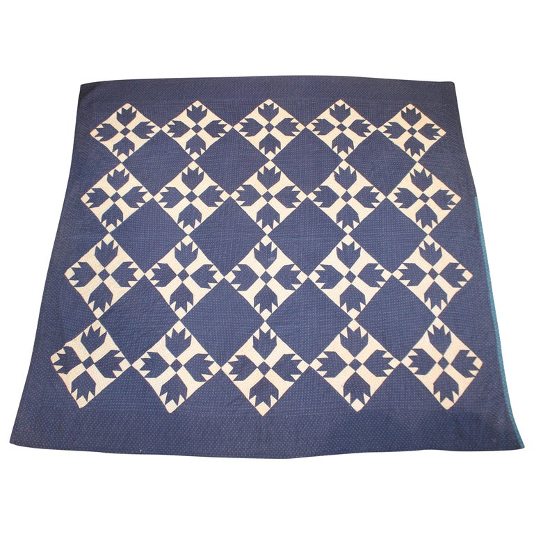 Antique Indigo Blue Quilt in Bear Paw Pattern For Sale