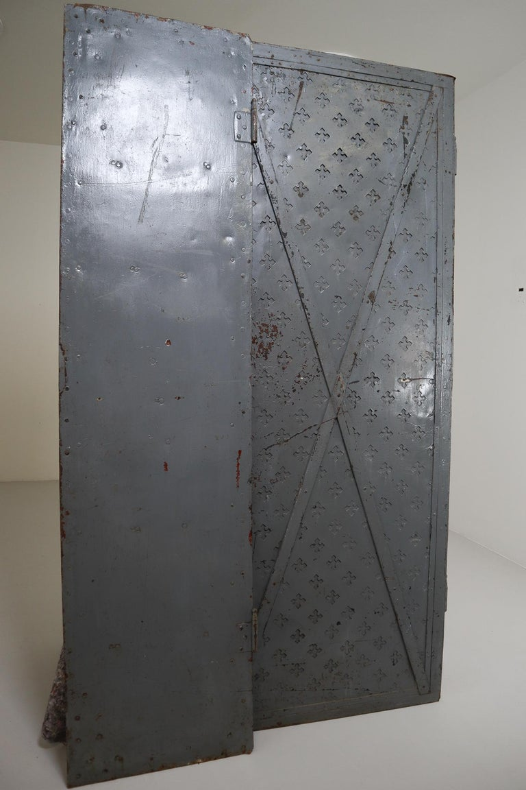 Antique Industrial Italian Mid-18th Century Iron Doors In Good Condition For Sale In Almelo, NL