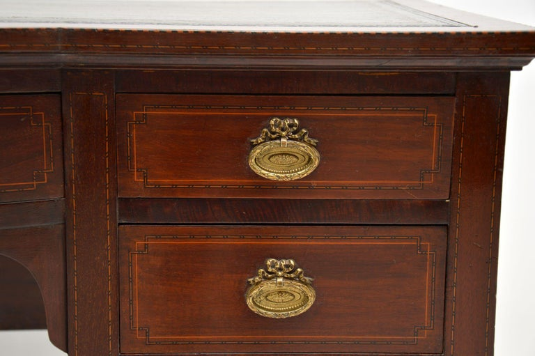 Antique Inlaid Mahogany Leather Top Desk In Good Condition In London, GB
