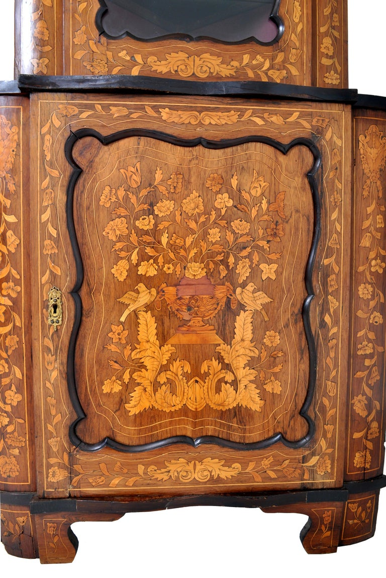 Antique Inlaid Marquetry Dutch Two-Piece Corner Cabinet, circa 1830 For Sale 3