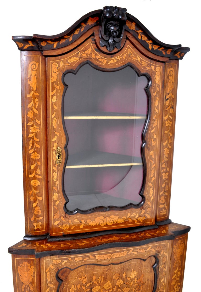 Antique Inlaid Marquetry Dutch Two-Piece Corner Cabinet, circa 1830 In Good Condition For Sale In Portland, OR