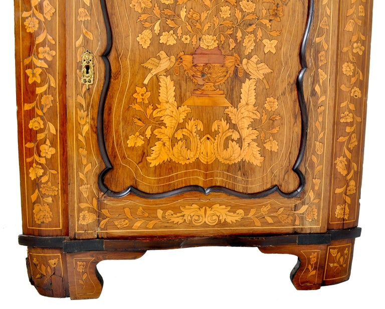 Antique Inlaid Marquetry Dutch Two-Piece Corner Cabinet, circa 1830 For Sale 1