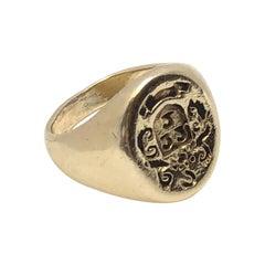 Antique Intaglio Crest Yellow Gold Signet Ring