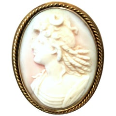 Antique Italian 9K Gold & Highly Carved Pink Shell Cameo Brooch