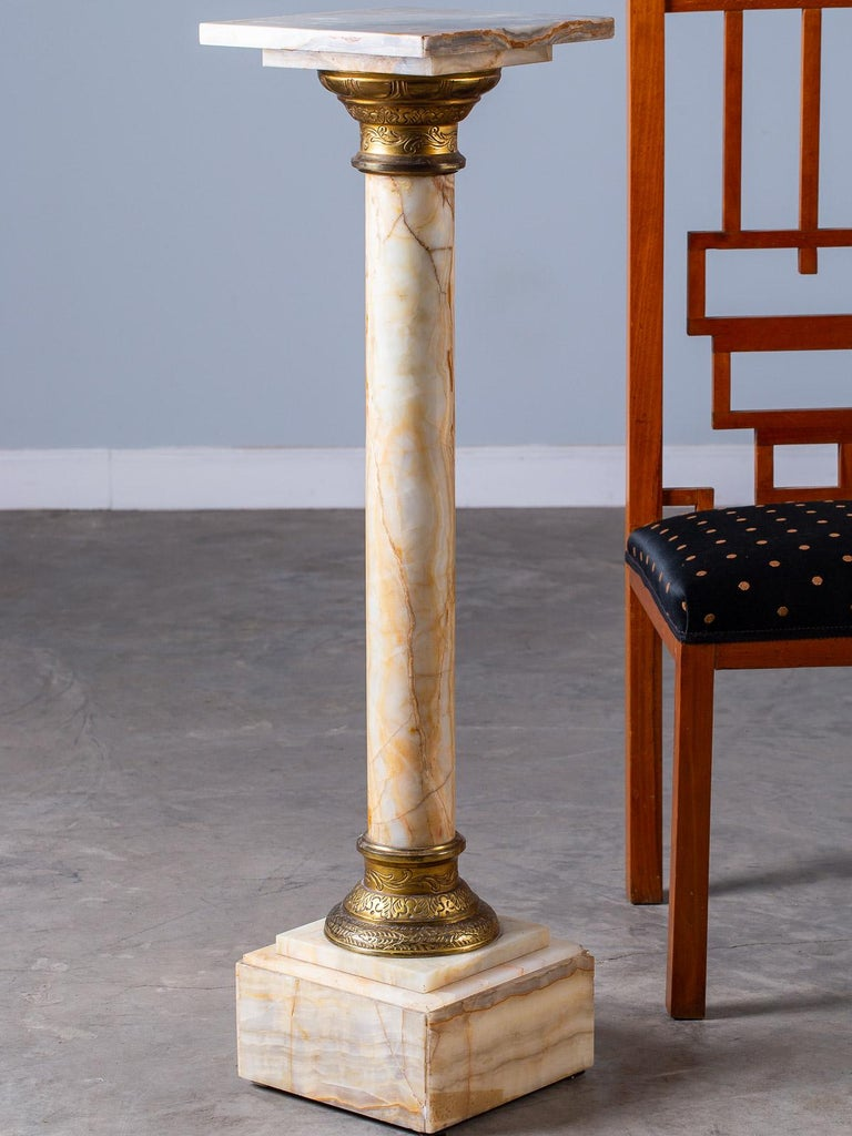 Antique Italian Alabaster Pedestal with Gilt Bronze Mounts, circa 1890 For Sale 7