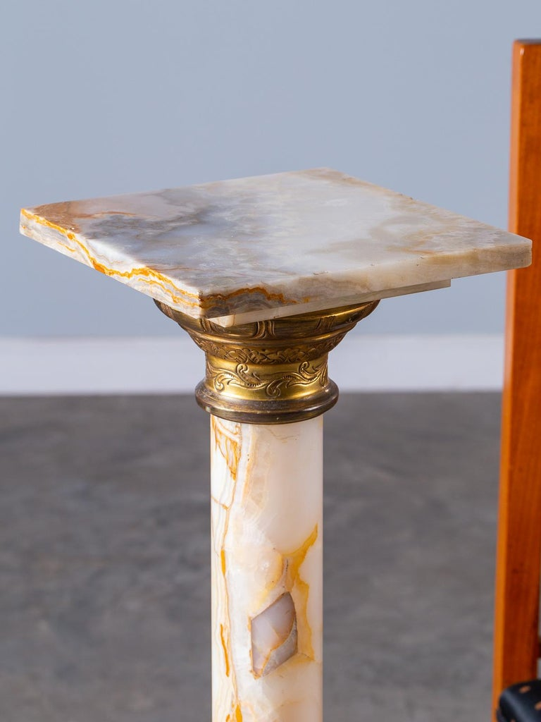 Antique Italian Alabaster Pedestal with Gilt Bronze Mounts, circa 1890 For Sale 3