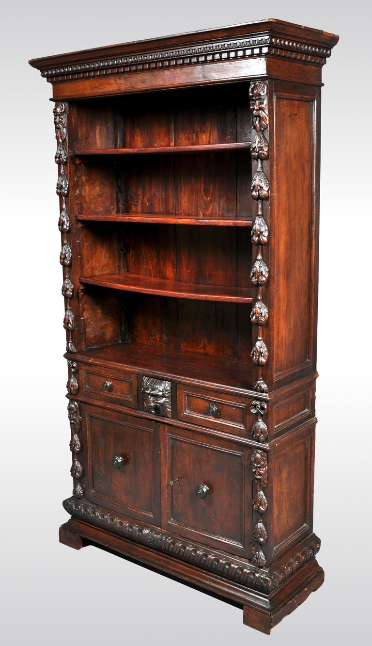 Hand-Carved Antique Italian Carved Walnut Renaissance Revival Bookcase, circa 1870 For Sale