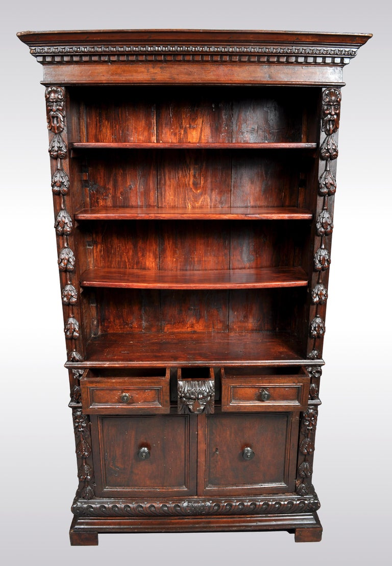 Antique Italian Carved Walnut Renaissance Revival Bookcase, circa 1870 For Sale 1