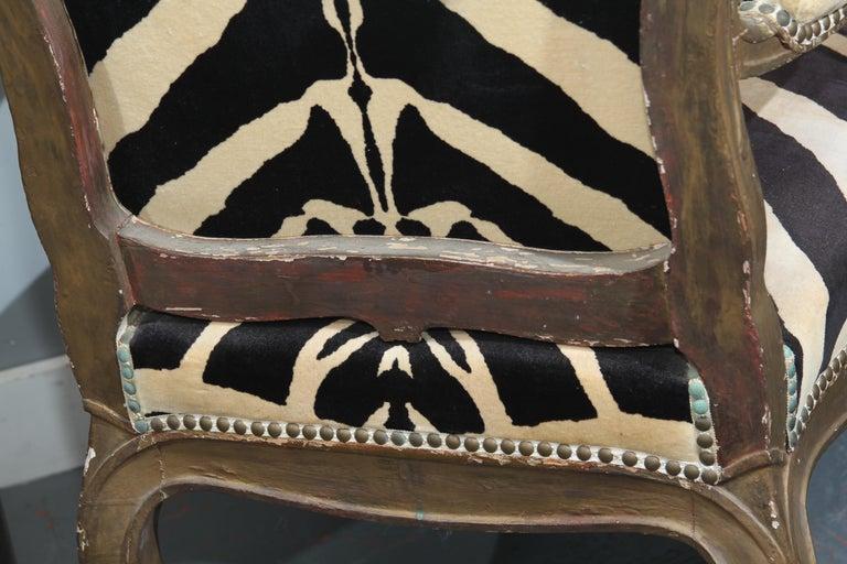 Antique Italian Chair in Zebra Cotton Velvet For Sale 6