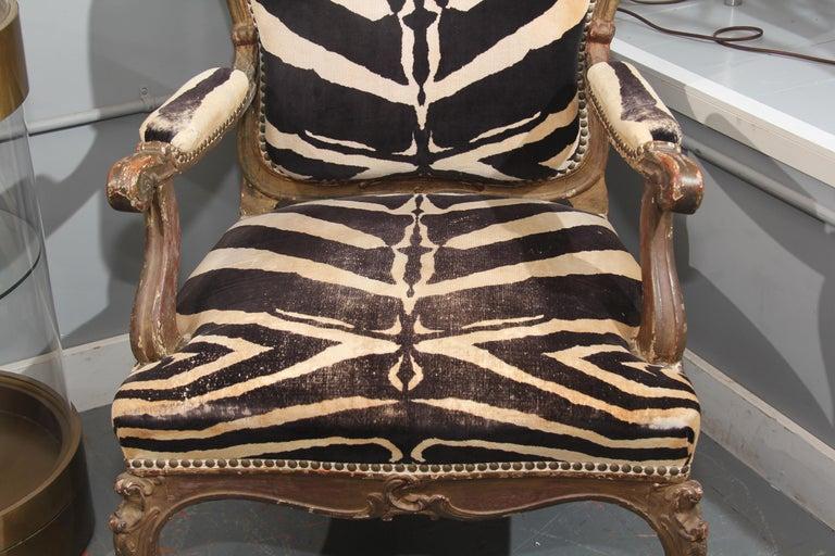 Antique Italian Chair in Zebra Cotton Velvet In Good Condition For Sale In Seattle, WA