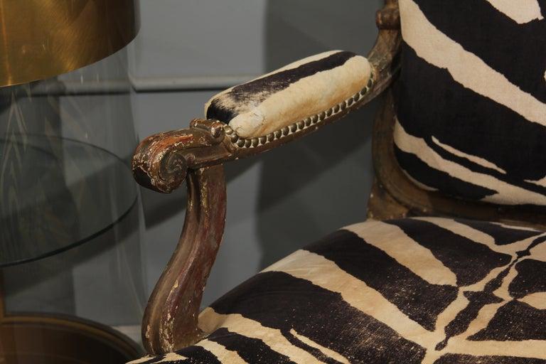 Antique Italian Chair in Zebra Cotton Velvet For Sale 1