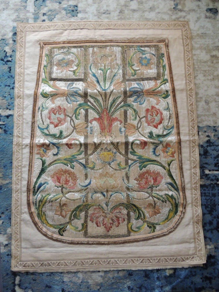 Antique Italian Embroidered Silk Floss Threads Chasuble Textile In Good Condition For Sale In Wilton Manors, FL