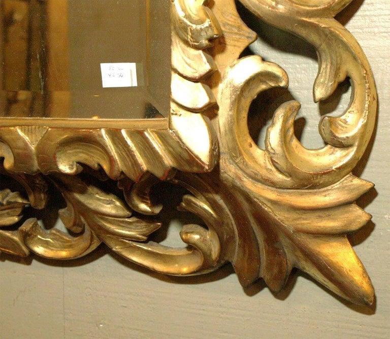 Antique Italian Giltwood Rococo Mirror In Good Condition For Sale In New Orleans, LA