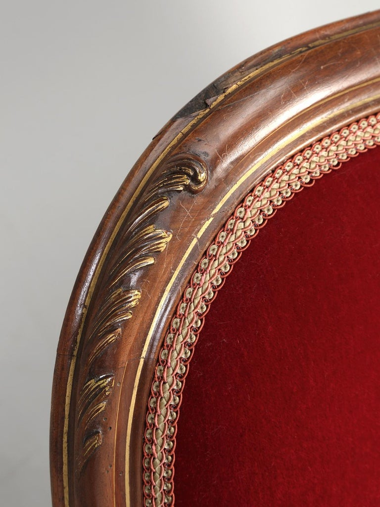 Early 20th Century Antique Italian Louis XV Style Settee Covered in Mohair For Sale