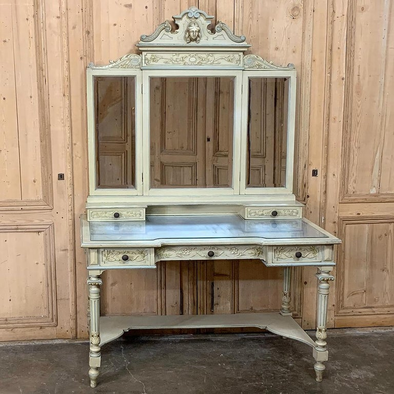 Antique Italian Louis XVI Painted Vanity In Good Condition For Sale In Dallas, TX