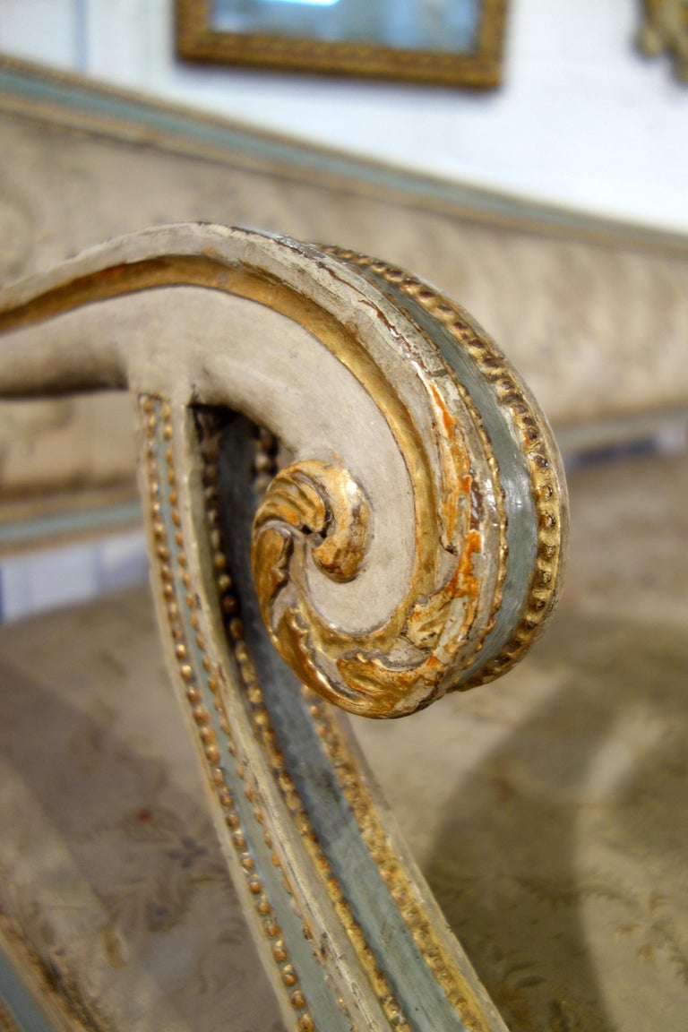 19th Century Italian Louis XVI Style Painted and Gold Gilt Bench Settee Ca 1820 For Sale 5