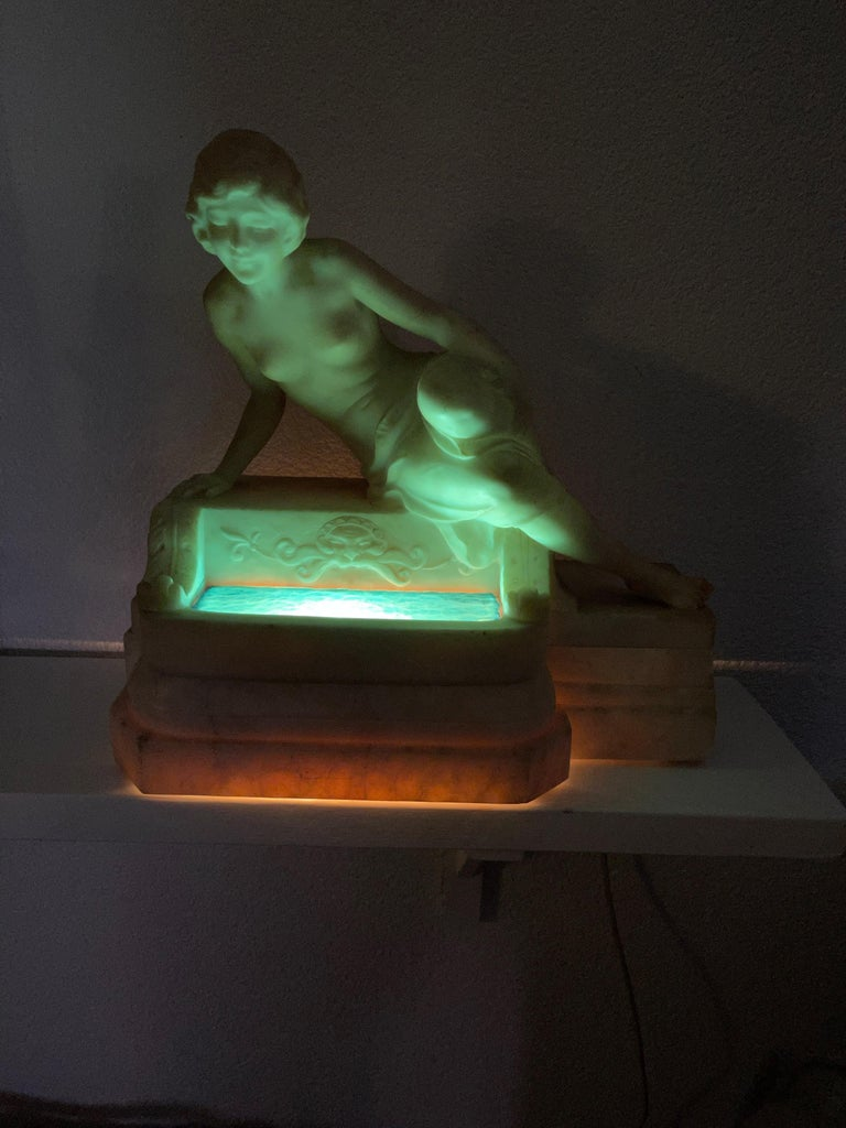 Antique Italian Marble Figure of a Female Nude by Emilio P. Fiaschi Table Lamp  For Sale 2