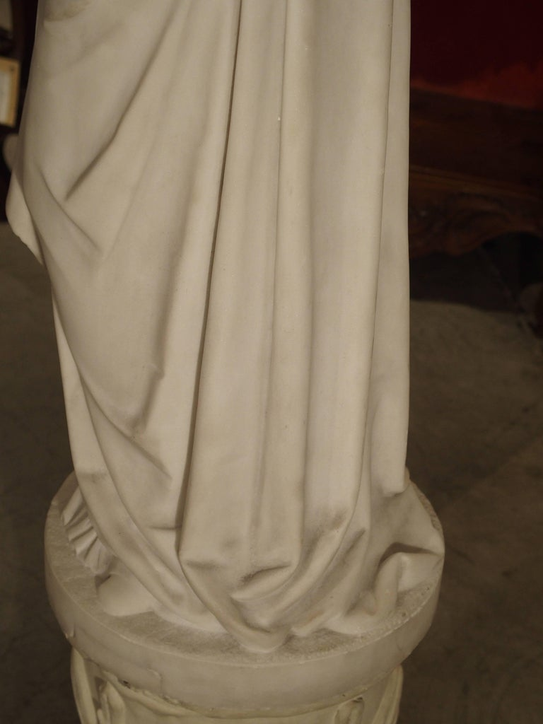 Antique Italian Marble Statue of a Woman, Late 19th Century For Sale 6