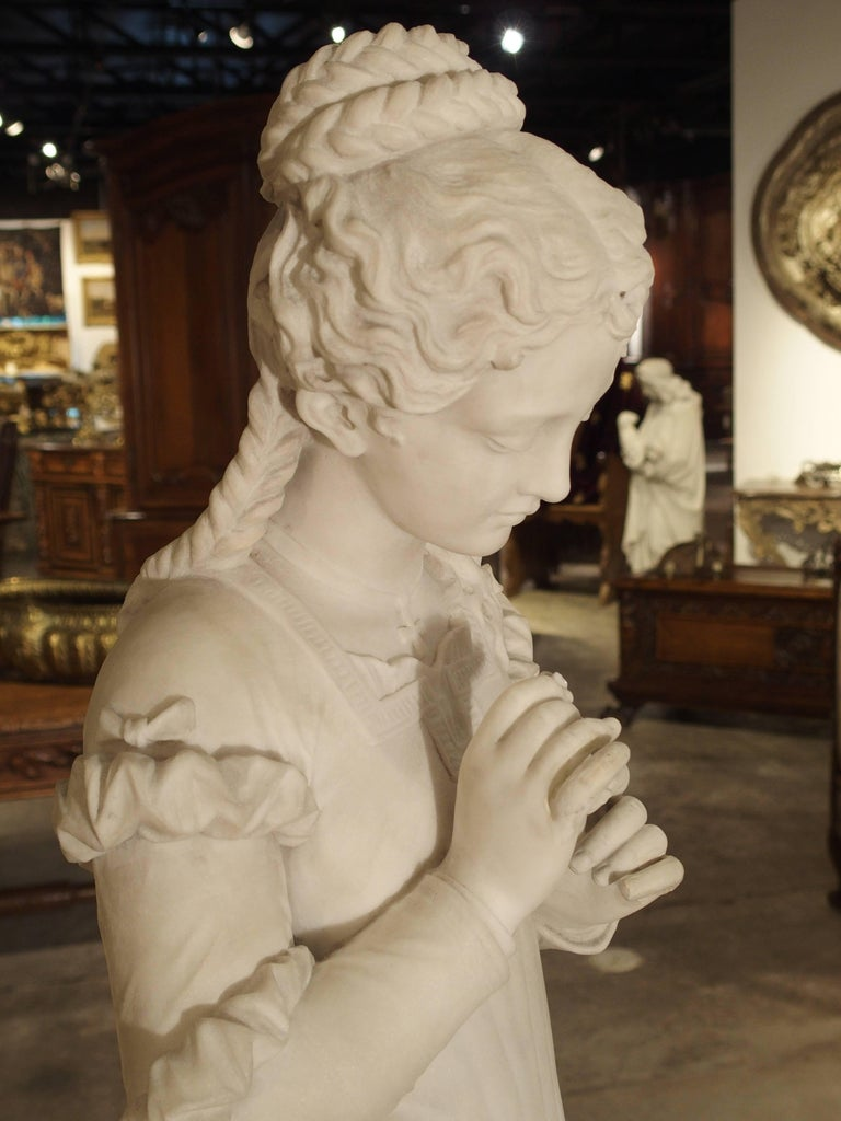 Antique Italian Marble Statue of a Woman, Late 19th Century In Good Condition For Sale In Dallas, TX