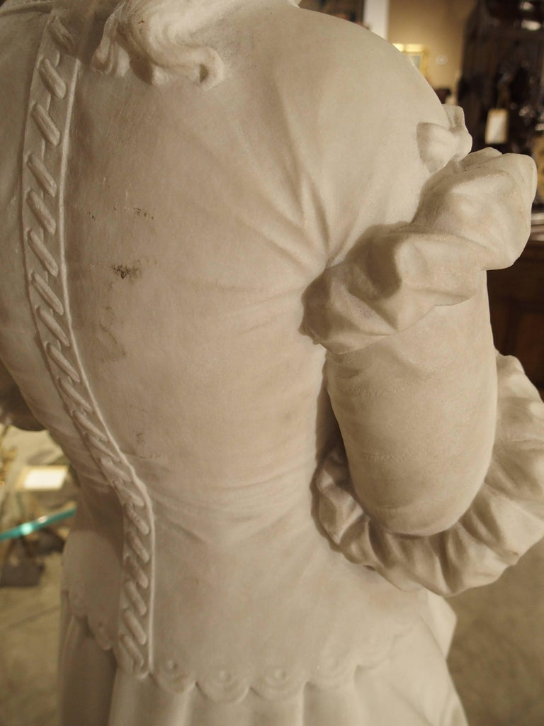 Antique Italian Marble Statue of a Woman, Late 19th Century For Sale 4