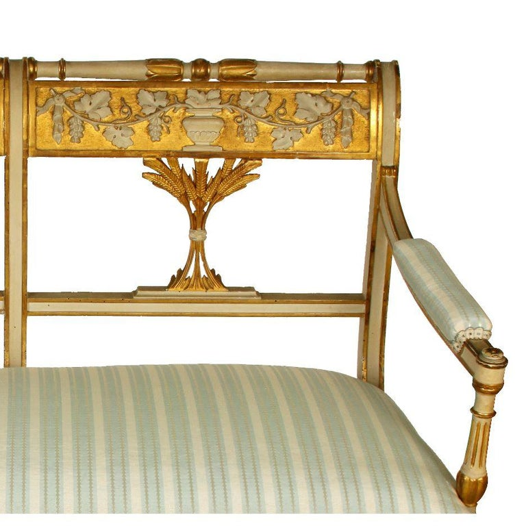 Antique Italian Painted Gilt Settee In Good Condition For Sale In Locust Valley, NY