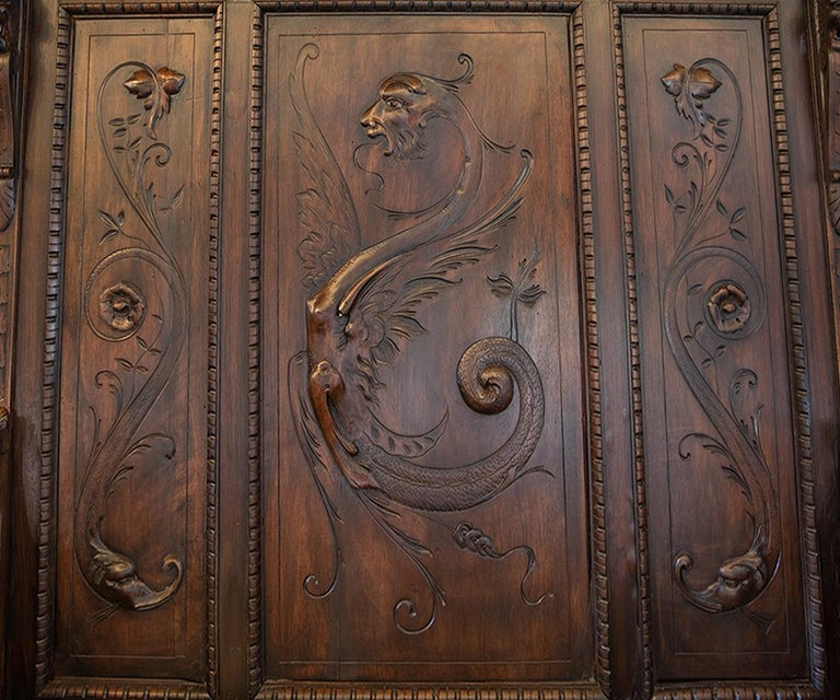 Antique Italian Renaissance Revival Carved Walnut Hall Bench with Storage In Good Condition For Sale In Laguna Beach, CA