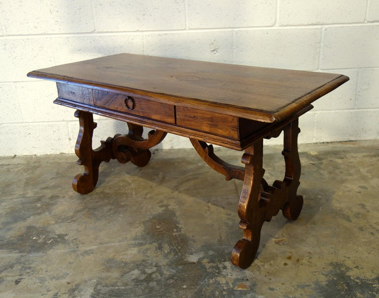 17th Century Style Italian Refectory Old Walnut Coffee Table with Single Drawer For Sale 7
