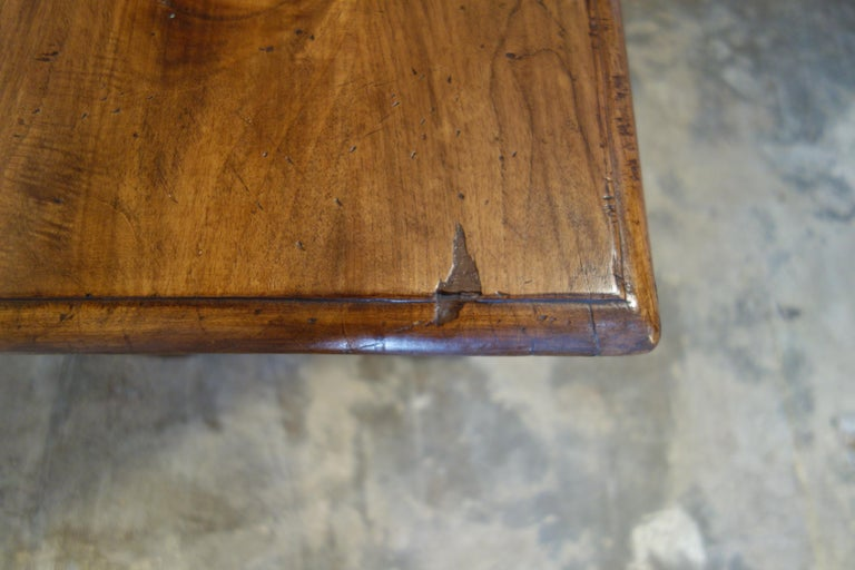 17th Century Style Italian Refectory Old Walnut Coffee Table with Single Drawer For Sale 10