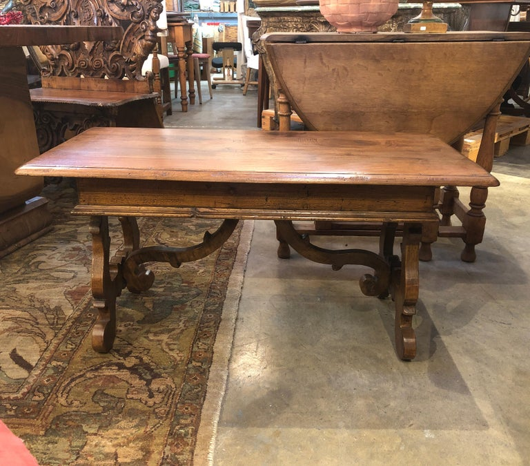 17th Century Style Italian Refectory Old Walnut Coffee Table with Single Drawer For Sale 14