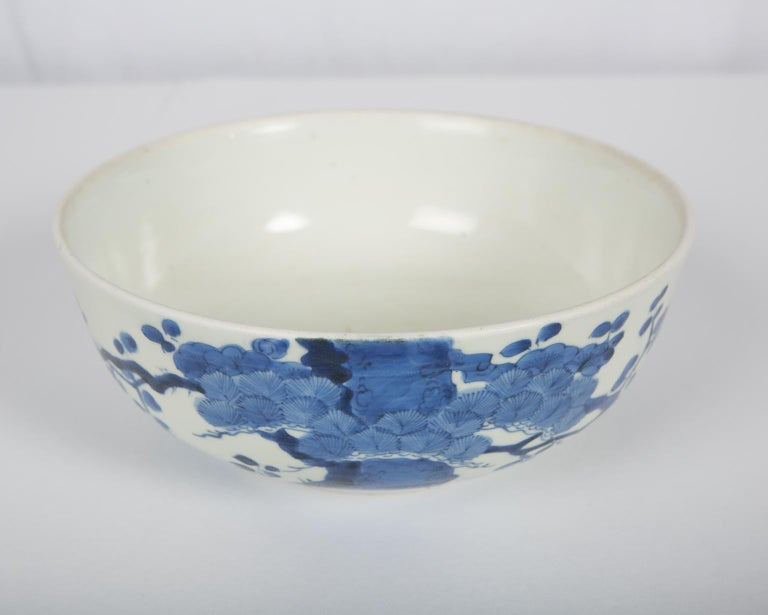 Antique Japanese Blue and White Porcelain Bowl circa 1760 For Sale 1
