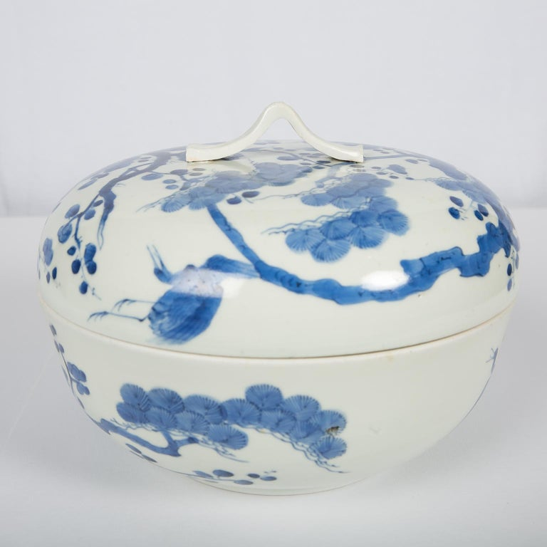 Antique Japanese Blue and White Porcelain Bowl circa 1760 For Sale 3