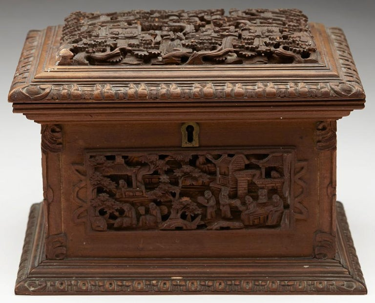 Antique Chinese Canton Carved Wooden Jewelry Box, 19th Century For Sale 5