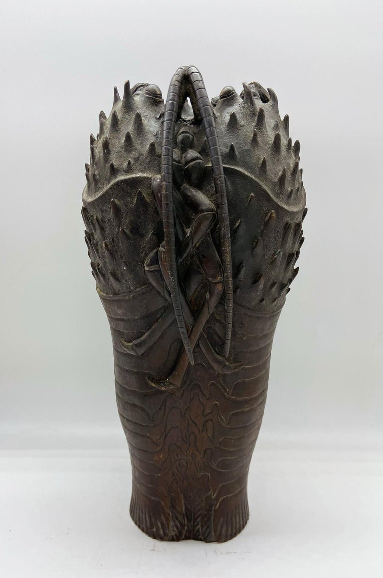 Antique Japanese Meiji period bronze lobster vase. Composed of three stylized lobsters in fabulous detail.