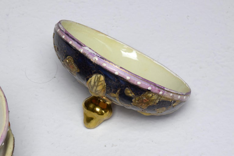 Pair of Antique Japanese Meiji Period Porcelain Trinket or Jewelry Boxes For Sale 11