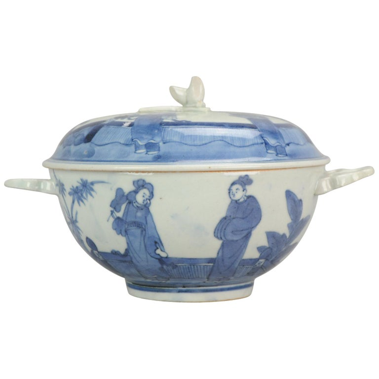 Antique Japanese Tureen circa 1680-1710 Arita Japan Porcelain Tureen For Sale