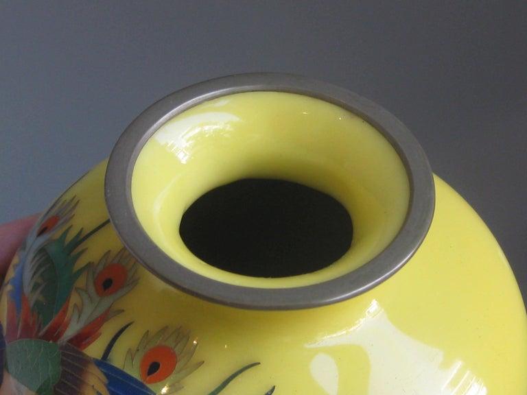 Antique Japanese Yellow Cloisonné Enamel Vase with Hoo-oo Bird Meiji Era For Sale 7