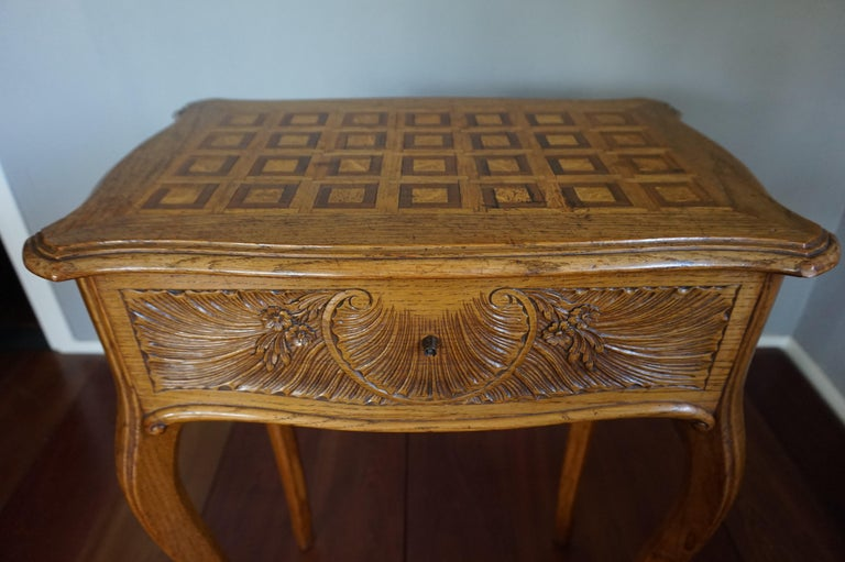 French Antique Jewelry or Side Table with Geometric Inlay & Hand-Carved Shell & Flowers For Sale
