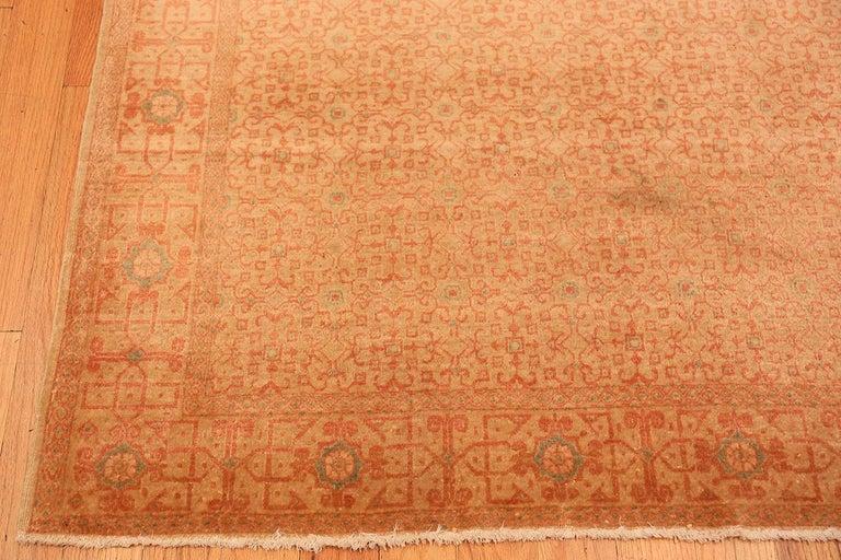 Antique Kashan Persian Rug For Sale 1