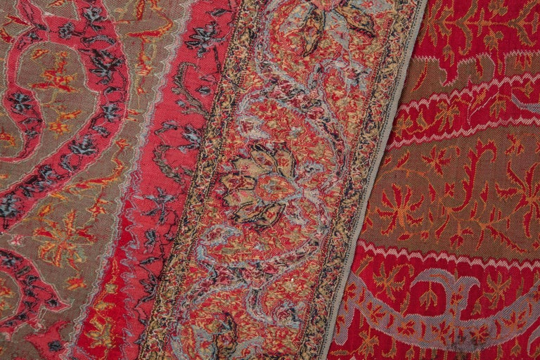 Antique Kashmir Long Shawl from India Early 19th Century, 1830s For Sale 2