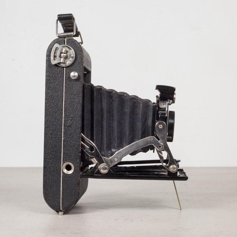 Antique Kodak Jr. Six-16 Series ll Folding Camera, circa 1937-1940 In Good Condition For Sale In San Francisco, CA