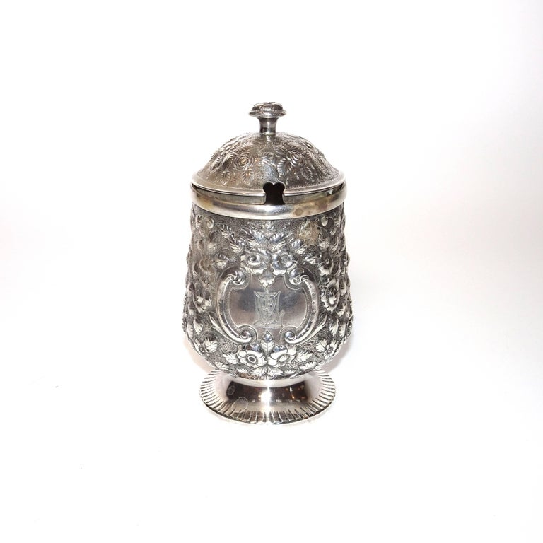 Mid-19th Century 19th Century Jelly Pot in Sterling Silver By Krider & Biddle from A. E. Warner For Sale