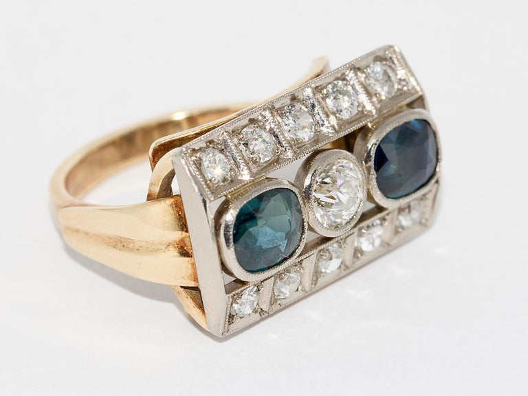 Antique Ladies Gold Ring, with Sapphires and Diamonds In Fair Condition For Sale In Berlin, DE