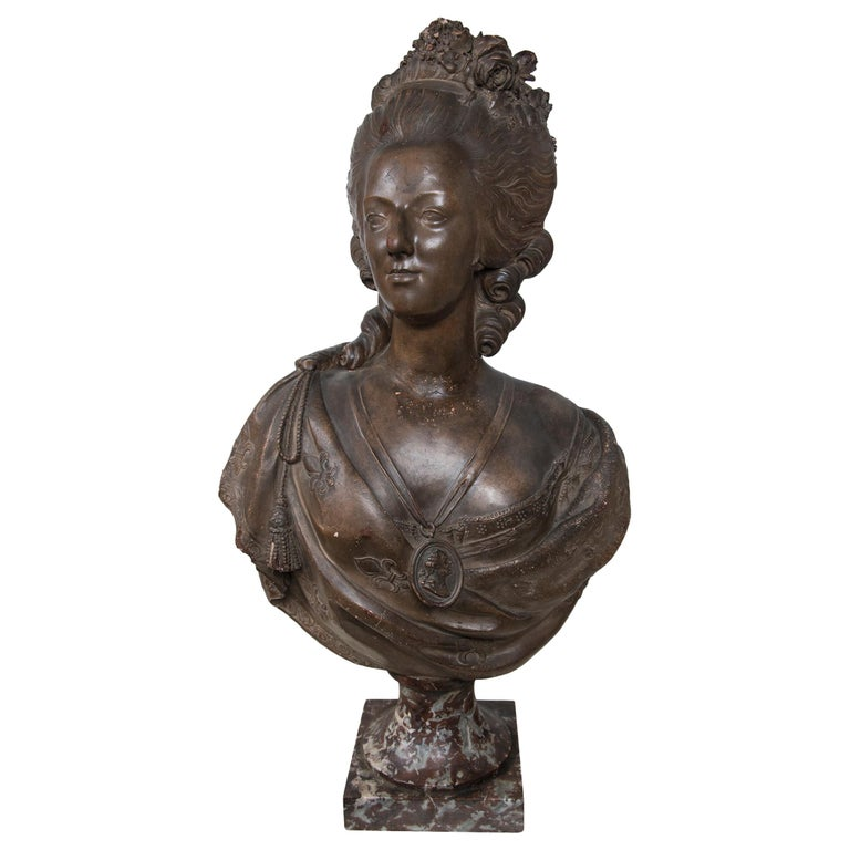Antique Large Bust in Terracotta of Marie Antoinette For Sale