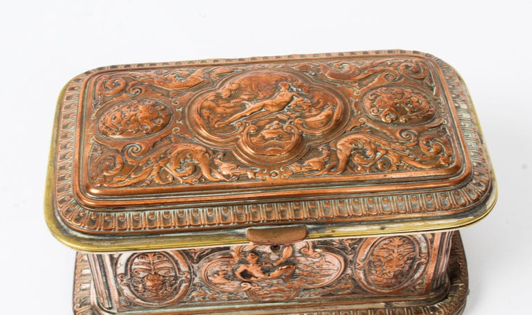 Antique Large French Gilt and Copper Casket 19th Century For Sale 6