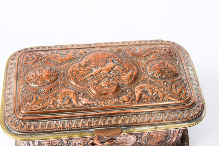 Antique Large French Gilt and Copper Casket 19th Century For Sale 7