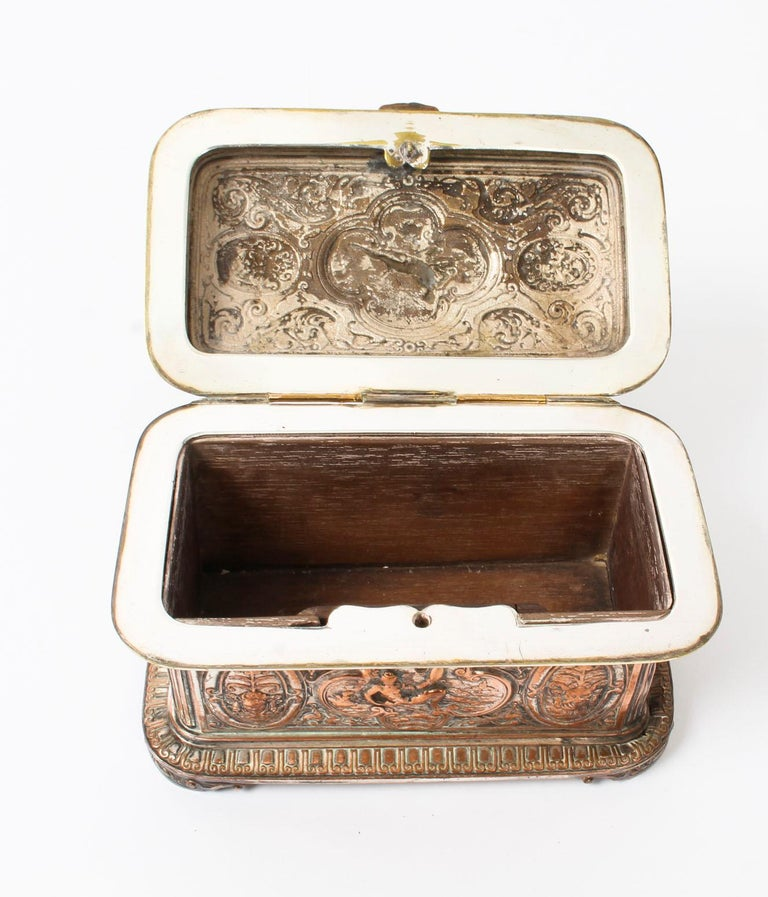 Antique Large French Gilt and Copper Casket 19th Century For Sale 8