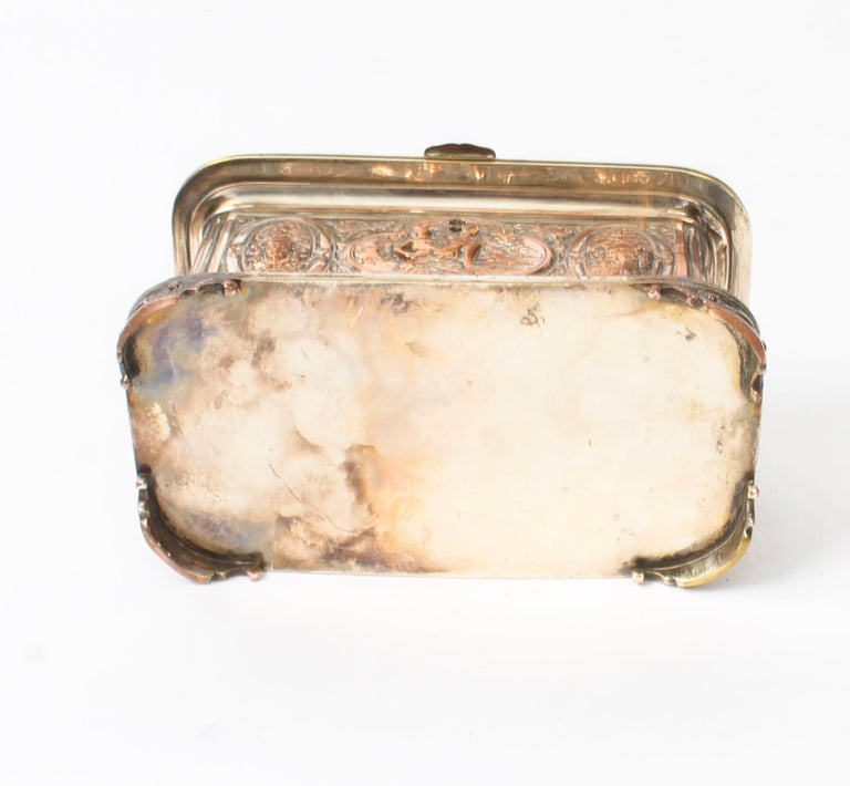 Antique Large French Gilt and Copper Casket 19th Century For Sale 9