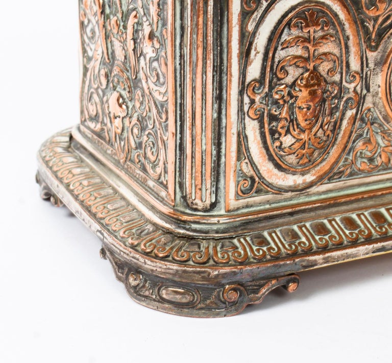 Antique Large French Gilt and Copper Casket 19th Century In Good Condition For Sale In London, GB