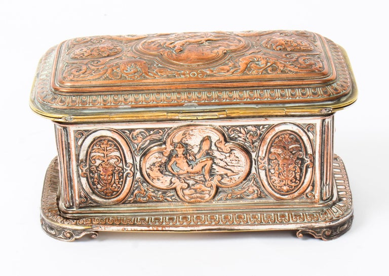 Antique Large French Gilt and Copper Casket 19th Century For Sale 2