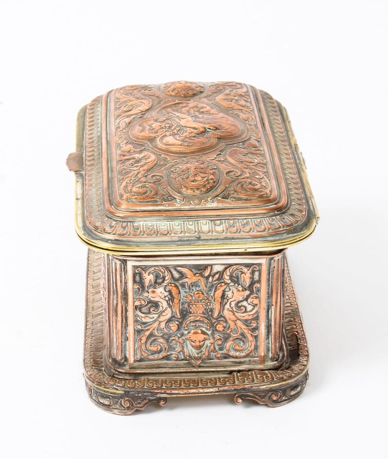 Antique Large French Gilt and Copper Casket 19th Century For Sale 4